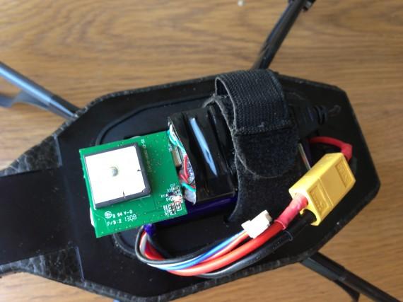 GPS conectado al HUB y pendrive de 8Gb